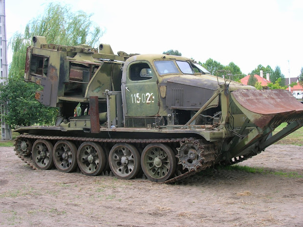 Vintage Military Vehicle And Restoration - Hungary