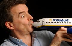 H Ryanair εκβιάζει κυβερνήσεις και τοπικές κοινωνίες όπου βρει