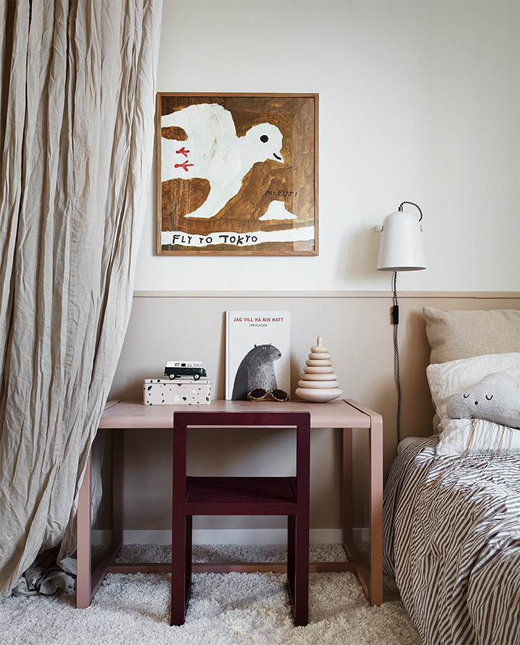 Cute kids room in beige tones by bloggaibagis