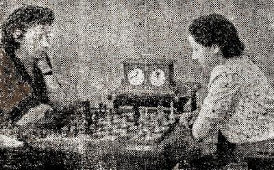 2ª ronda del IX Campeonato femenino de ajedrez de Cataluña 1946, partida Montserrat Puigcercós - Júlia Maldonado
