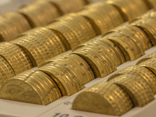 gold could reach $1,400 by end of year