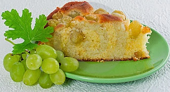 Biscuit Cake with Grapes