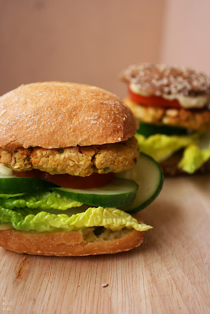 falafel, burger, chickpea, vegan, gluten-free, lunch