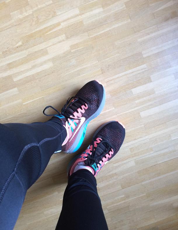 binedoro Blog, Enni Brunnenlauf Sonsbeck 2017, Laufschuhe, Nike, Asics, #bineläuft, 10 km, runninggirl, fitness