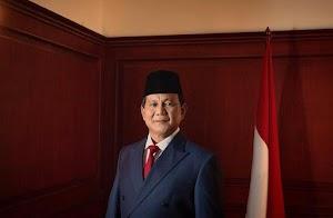 Sebelum Sholat Jumat, Prabowo Temui Jamaah Pendukungnya