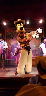 Disneyland Paris Halloween Goofy at Buffalo Bills