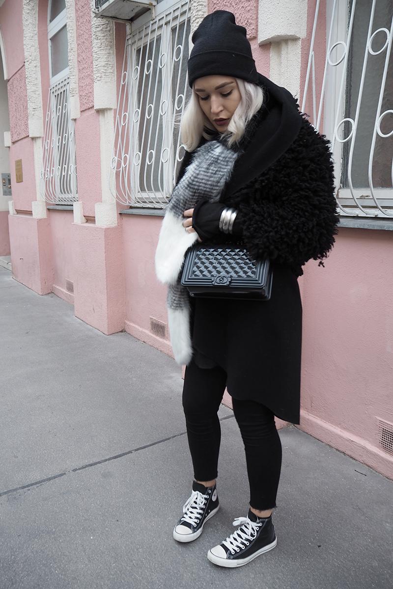Fashionblog-Fashion-Blog-Blogger-München-Munich-Deutschland-Bomberjacke-Modeblog-Mode Blog-ootd-Outfit-Style-Trend-Streetstyle-Blogger-Fur jacket-Converse-Sneakers-Chucks-Sassyclassy-Wien-Vienna-Travel