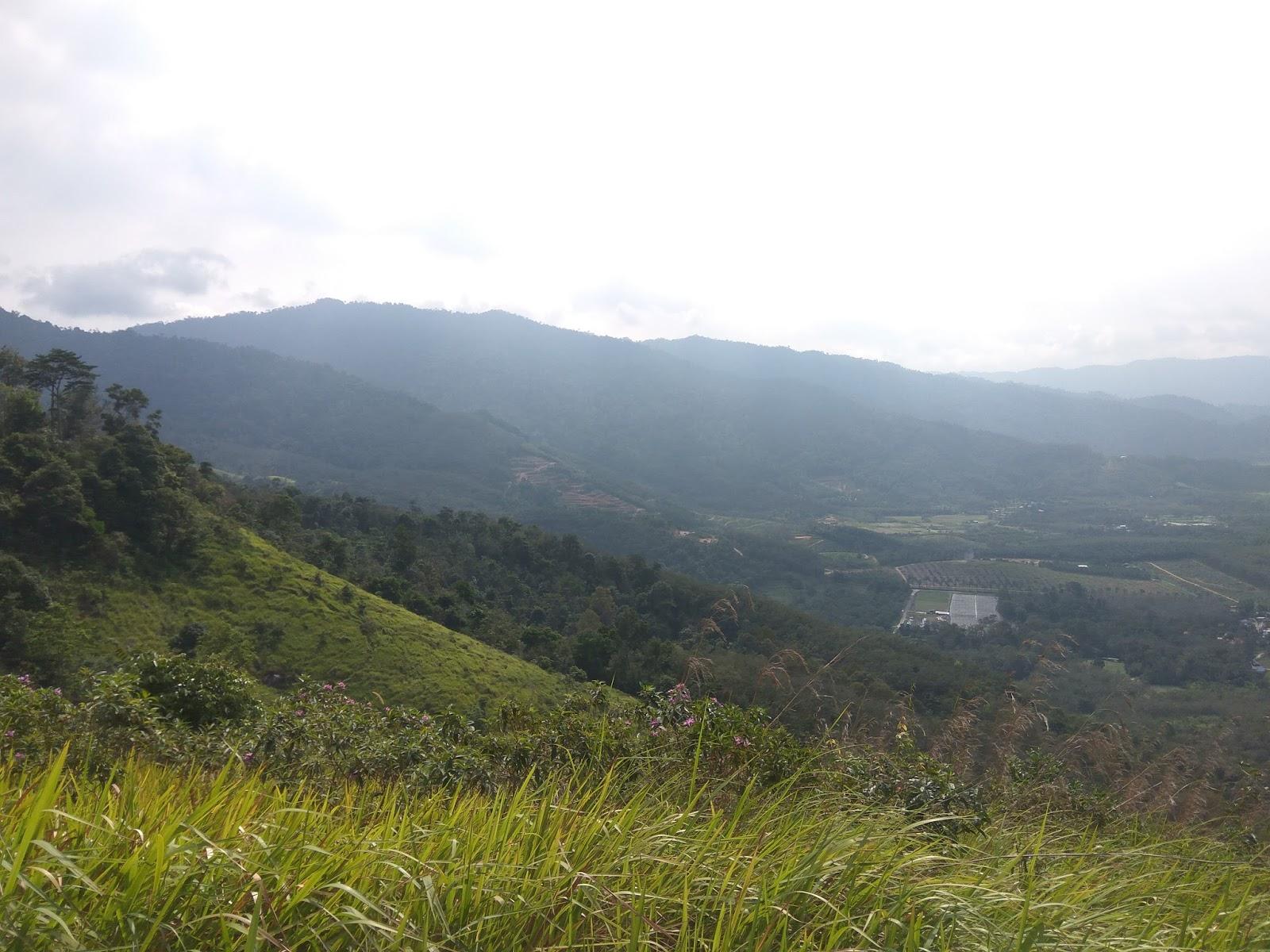 hiking, hiker malaysia, bukit broga, broga hill, hujung minggu di bukit broga, broga,