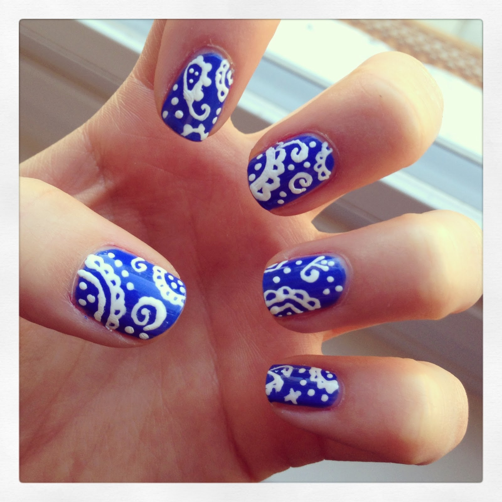 I Wish I Could Wink: Paisley Nails