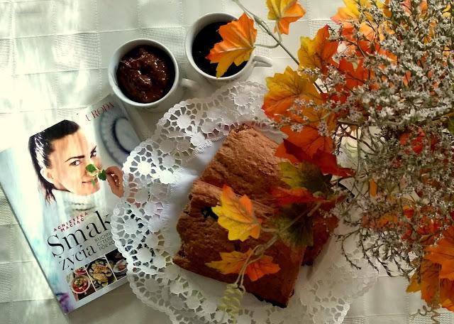 Dobry czas oraz przepis na bananowy chlebek i czekoladowy mus z awokado by Agnieszka Maciąg.