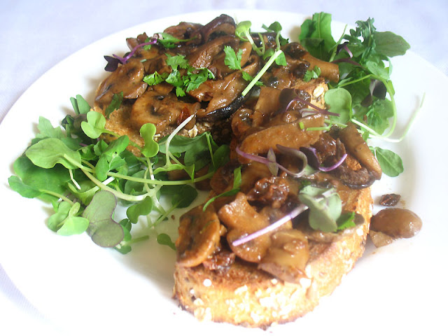 Sauted Mushrooms on Toast