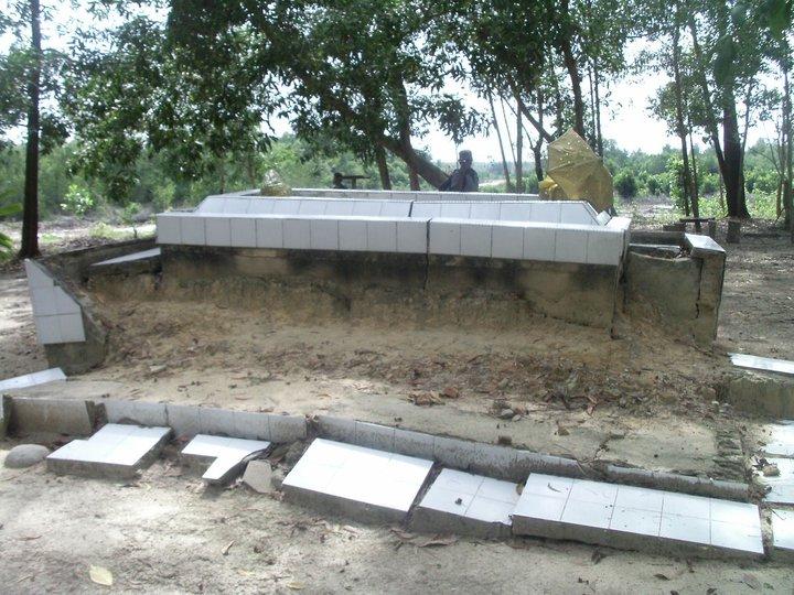 Makam Ayahanda Puteri Tujuh Wisata Dumai Riaumagz