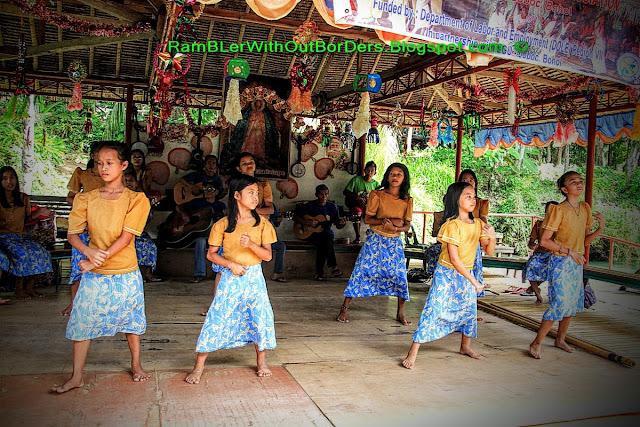 Live performance, Loboc River, Bohol, Philippines