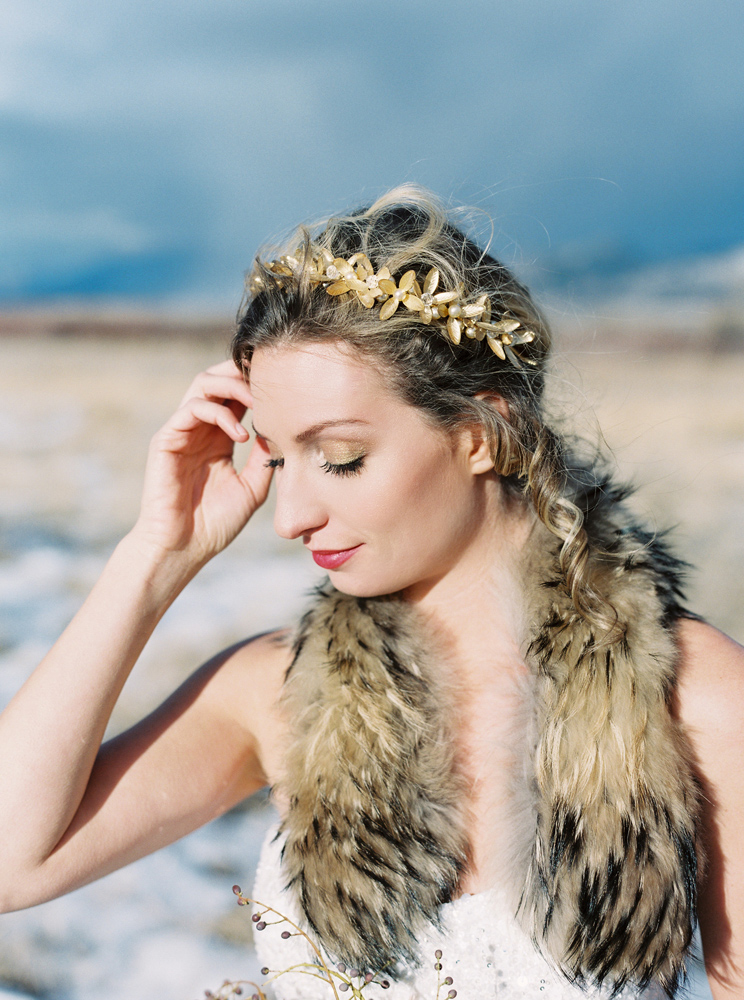 Orange Photographie / Hair & Makeup: Alexa Mae / Flowers & Styling: Katalin Green / Winter Wedding Makeup