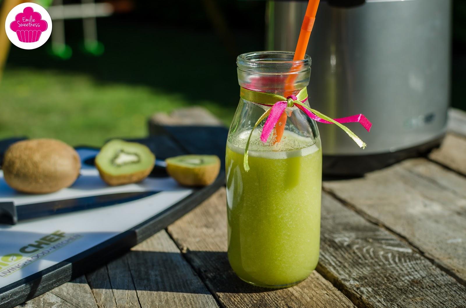 Emilie sweetness jus de kiwis et de pommes un jus vitamin recette rapide r alis e avec un - Gelee de pommes avec extracteur de jus ...