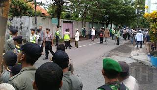 Innalillah... Kajian Syiah di IAIN Surakarta Dijaga Ketat oleh Aparat, Ada Apa dengan Indonesia?