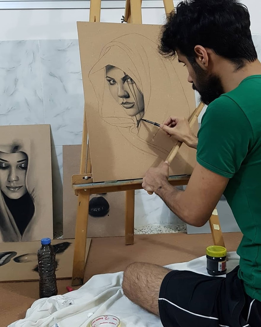 15-Husam-Waleed-Minimalist-Realistic-and-Stylized-Charcoal-Portraits-www-designstack-co