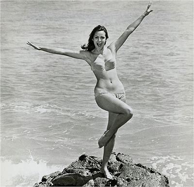 http://gmgallery.tumblr.com/post/152864152863/corinna-tsopei-1968