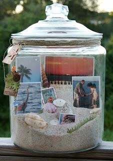 kenangan foto di dalam botol kaca
