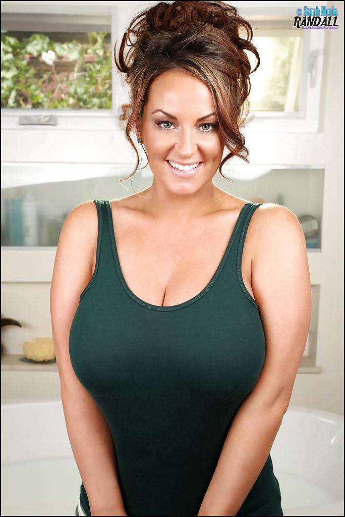 Sarah Nicola Randall exposing massive juggs - PORN BABES