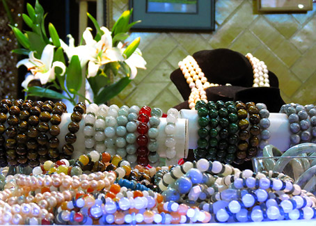 jade bracelets with different colors
