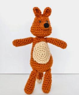 http://bowtiesandfezzes.files.wordpress.com/2014/05/mr-johnny-fox-pattern.pdf