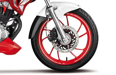 2016 Hero MotoCorp Xtreme 200S front alloy wheel