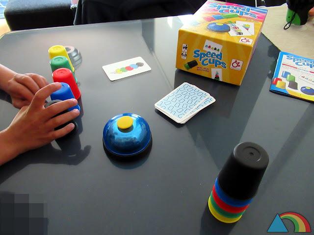 Partida del juego de mesa Speed Cups