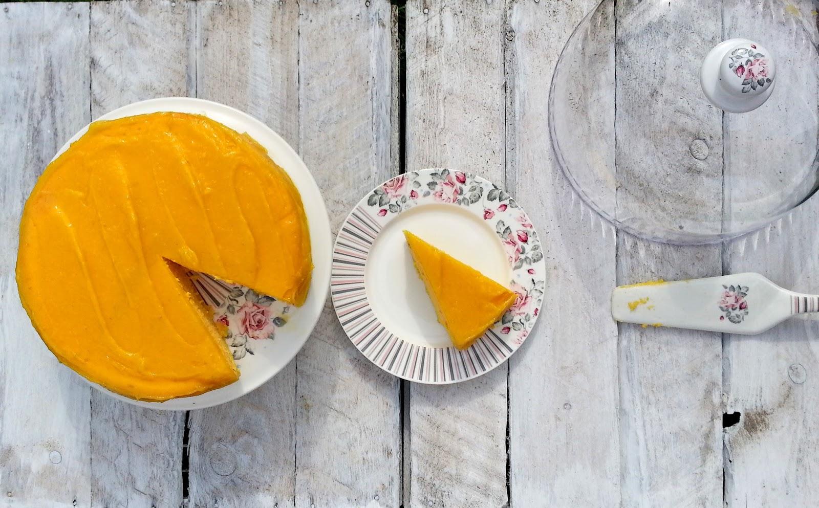 Ponadczasowy zestaw ceramiczny do serwowania ciasta