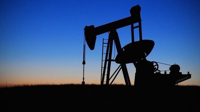 El precio del petróleo supera los 80 dólares por barril