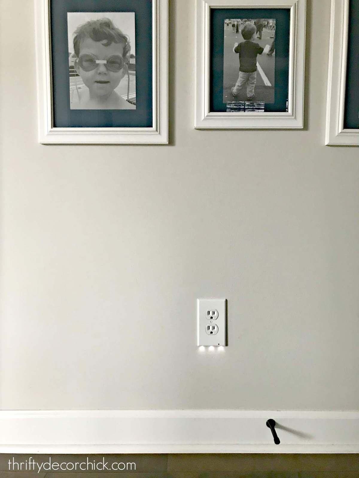 Light sensitive night lights on outlet