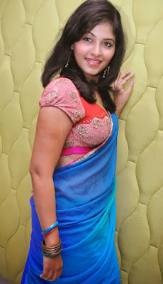 anjali hot saree cleavage stills