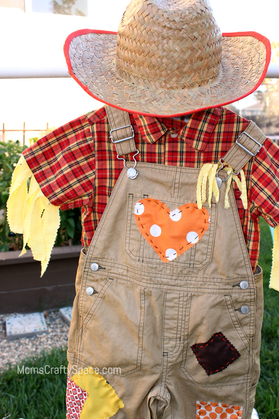 Now I just need to see if I can wrangle my two-year-old into his costume so  I can get a picture of him actually wearing it to show you! bc97364a2de3
