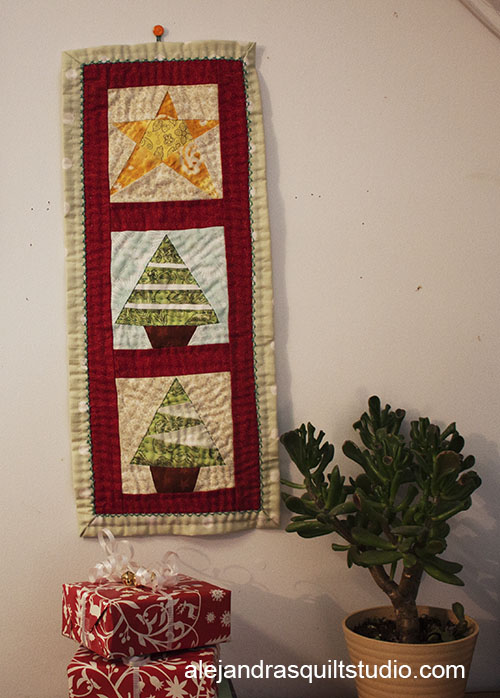 Christmas Mini Quilts Are My Favorites!