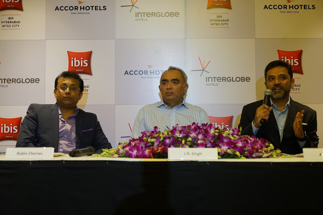 L-R Rubin Cherian, General Manager, ibis Hyderabad, J.B. Singh, (President & CEO, InterGlobe Hotels) along with Arif Patel (Vice-President -Sales, Marketing and Distribution, India AccorHotels) 2