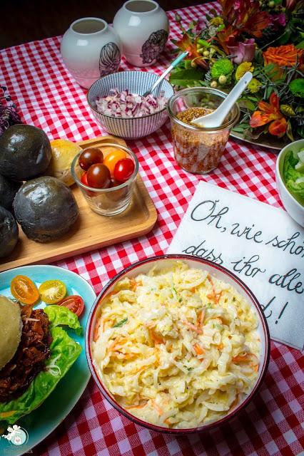 Krautsalat zum Burgeressen