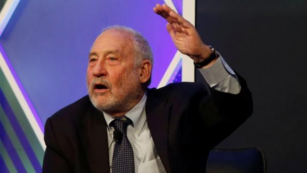 Joseph Stiglitz asegura que el euro fomentó la crisis en la UE