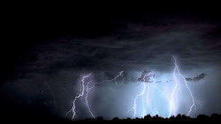 Did you know Positive Lightning??? The Woman in Florida Captured the video you must watch !!!