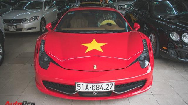 Ferrari 458 dán decal cổ động bóng đá