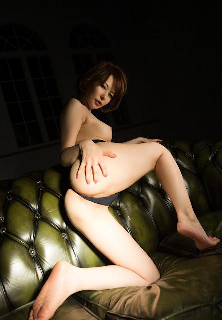 Satomi Yuria 里美ゆりあ Images 画像 17