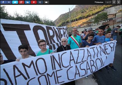 http://palermo.repubblica.it/cronaca/2017/08/08/foto/monreale_gli_abitanti_di_pioppo_in_marci_contro_gli_incendi-172664447/1/#1