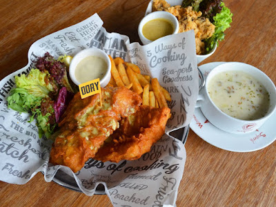 The Manhattan FISH MARKET Free Dory Fish 'n Chips Main Course