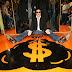 """Gene Simmons lança livro """"para provar que todo mundo pode ter dinheiro e ficar rico"""""""