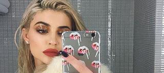 Glossy Lids: Η νέα hot τάση στο μακιγιάζ που πρέπει να δοκιμάσεις