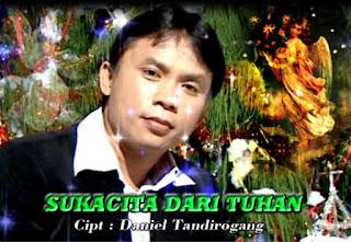 Lirik Lagu Natal Sukacita Dari Tuhan (Daniel Tandirogang)