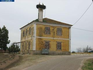 BUILDING / Edificio da Barragem de Póvoa e Meadas (1), Castelo de Vide, Portugal