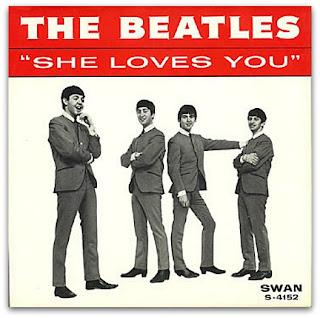 """Capa do Single """"She Loves You"""", lançado pelos The Beatles em 1963"""
