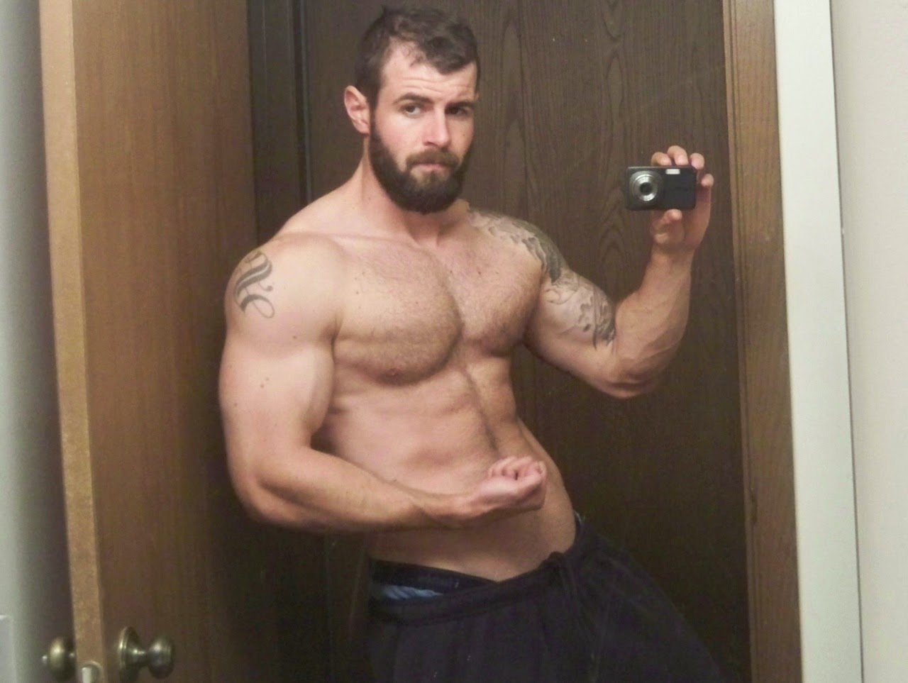 Hot Muscular Jocks 106