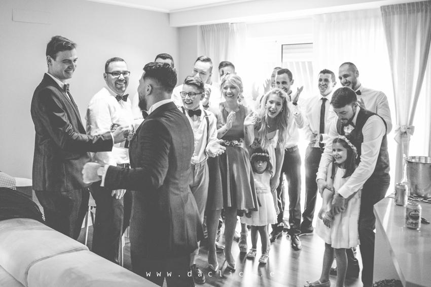 amigos y familia de novio