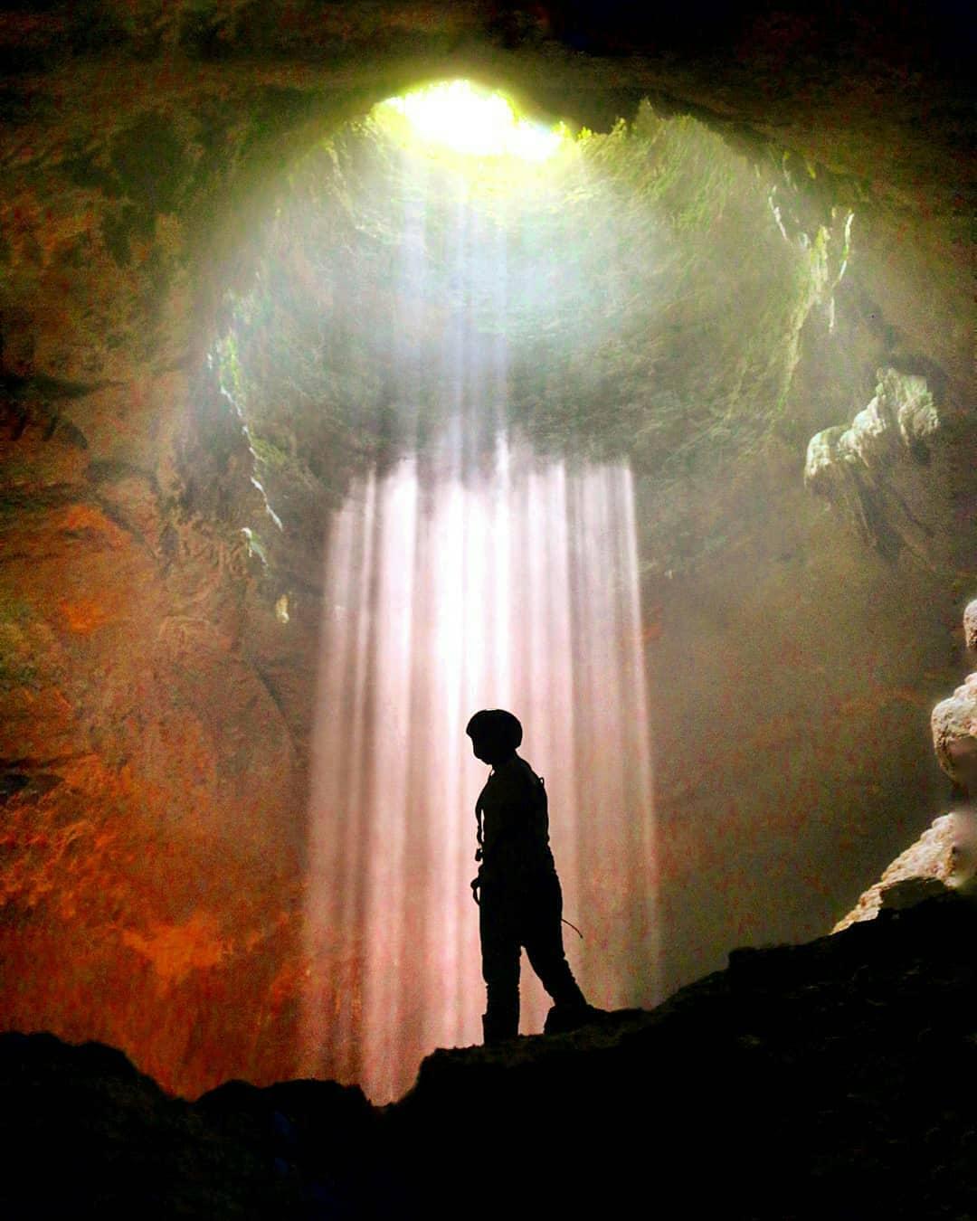 Menikmati kemilau cahaya Surga di Spot Goa Jomblang Gunung Kidul Yogyakarta